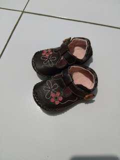 Sepatu bayi merk circo