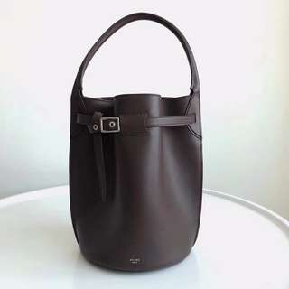 Chline BIG BAG BUCKET柔軟光滑小牛皮手袋。
