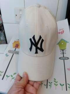 Nike Cap米色帽