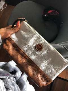 Michael kors pouch/wallet