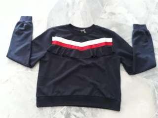 Nichii Sweater Size M
