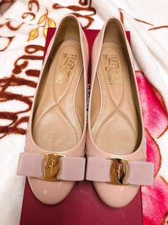 🌟快閃特價 Pale Pink🌸Salvatore Ferragamo Varina patent-leather shoes size 6C
