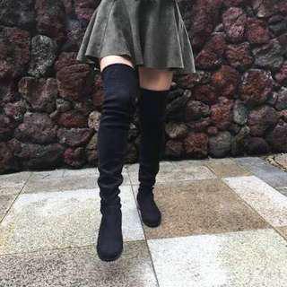 FLAT BLACK THIGH HIGH BOOTS