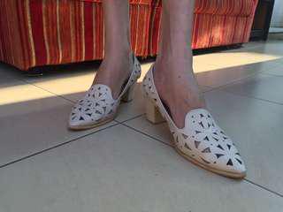 Vanilla High heels beige