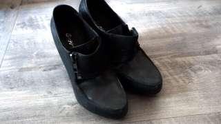 🚚 原價3千多 真牛皮製 菱角經典牛津黑色高跟鞋 皮質厚實 23.5