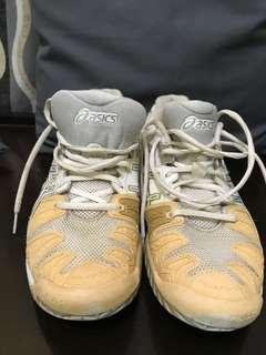Preloved asics gel rubbershoes
