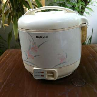 National automatic rice cooker 1.8litres. Very reliable. In good working condition.
