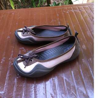 Genuine Crocs sandals. Size 9. Seldom use and in good condition.