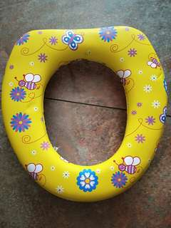 Toddler removable toilet seat