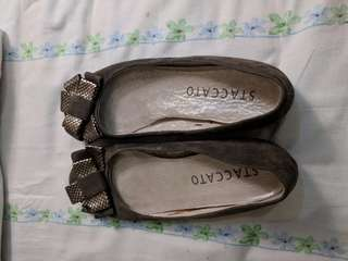 Staccato Flat with Bow (Olive Green)