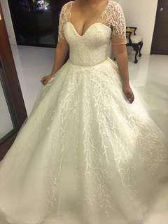 Wedding gown prelove