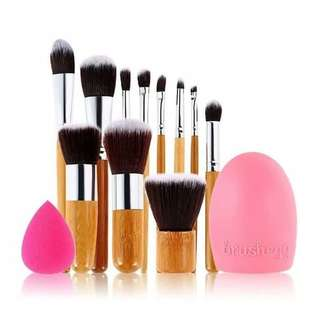 [NEW] Paket 11 pcs brush + brush egg + beauty blender + pouch