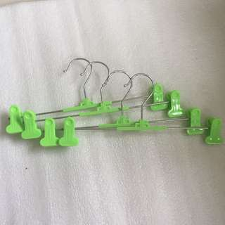 4pcs clothes hanger with clips
