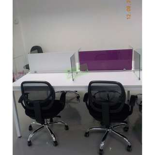 LINEAR WORKSTATIONS WITH GLASS DIVIDER PURPLE & WHITE