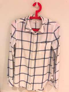 H&M White and blue plaid button-up shirt