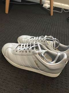 Adidas grey sneakers