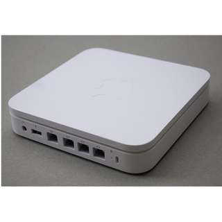 Apple AirPort Extreme wifi router