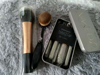 Make up Brushes 3 for the price of 1..Mark down!!