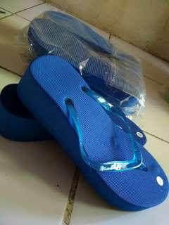 Sandal wedges spon biru