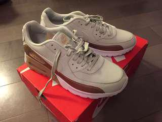 Nike Air Max - Brand New! 8.5