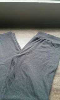 Gray sweatpants / joggers