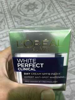 Loreal Paris Clinical White Perfect Day Cream