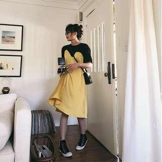 VM 夏2018新 歐美時尚亮眼黃色高腰緞面心機接拼假兩件設計 寬鬆連身裙