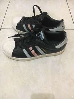 Authentic Adidas Superstar #maudecay