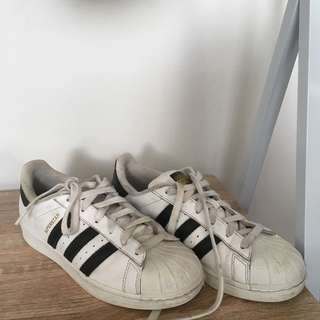Adidas Superstars ( Size 7 )