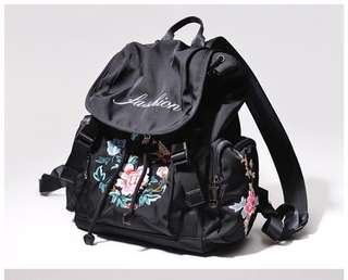 🚚 2018中國風新款尼龍輕便牛津布復古刺繡花朵多口袋實用雙肩包背包