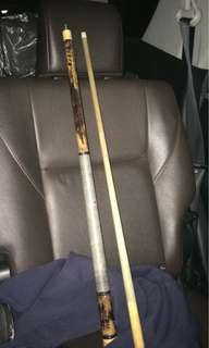 fury cue with hard case in good condition cue