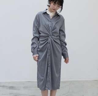 🚚 灰藍色緞面前抓皺洋裝+米白立領長袖上衣