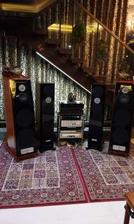 Usher bE-20 top range , Usher Mini 2 dancer mid range ,Jeff Rowland continuum 500 integrated amp, musical fedality pre and power amp Electra E200&E300