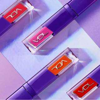 🚚 VLD X Pantone 紫外光 水潤方管鏡面唇釉