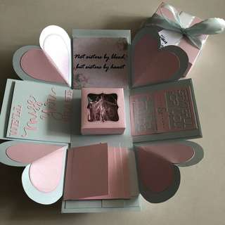 Explosion box with capsule box , 4 waterfall in pink and blue