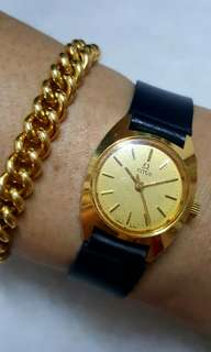 Vintage dress watch for ladies