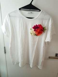 Zara Woman tshirt with flower accessory