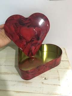 Famous Amos heart box vintage