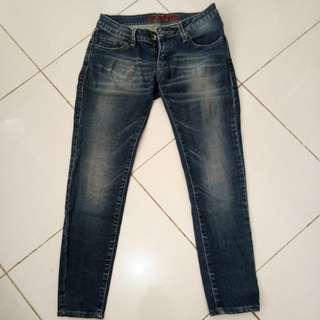 Celana Jeans (Logo Jeans)
