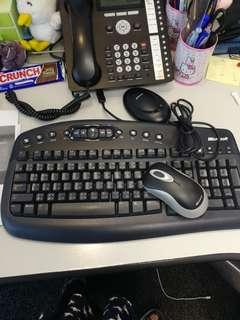 八成新Microsoft 無線鍵盤連mouse,特價