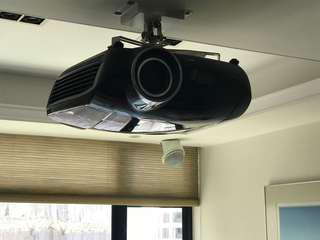 Mitsubishi HC7000 1080P projector very new only 1300 hrs