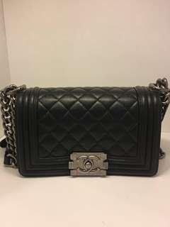 正品 全新 Chanel boy 20cm 黑色荔枝皮銀扣雙鍊上膊斜揹袋