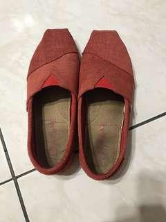 🚚 達芙妮乾燥色包鞋