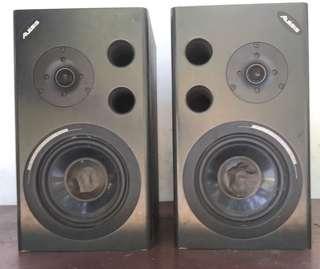 Speaker studio rekording Alesis M1 Aktif