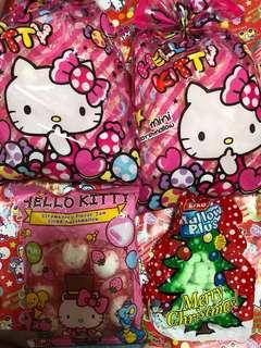 Hello kitty 大三包棉花糖及一包聖誔節棉花糖