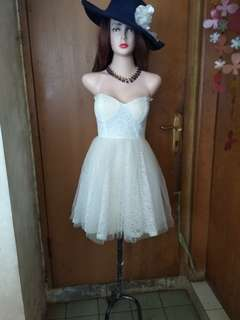 Never been used - Bustier lace mini dress