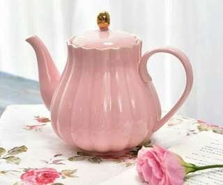 Royal Classic Bone China Pink Tea Pot