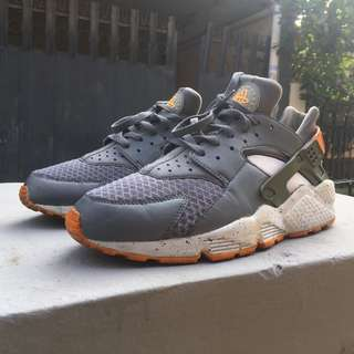 Nike Huarache grey orange