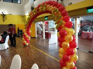 Balloon arch and columns for events