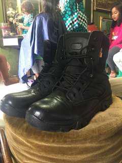 Delta boots by Cordura